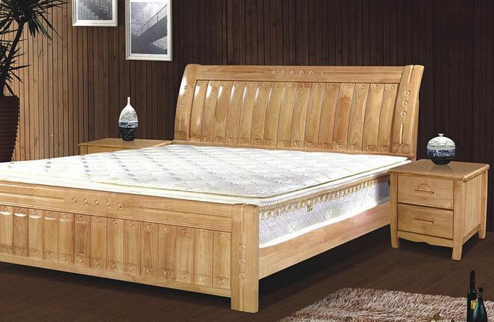 晚清鎏金雕花木床