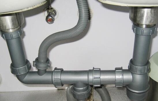 首页 装修图片 水管图片-最新水管图片大全   厨房下水管怎么安装选择