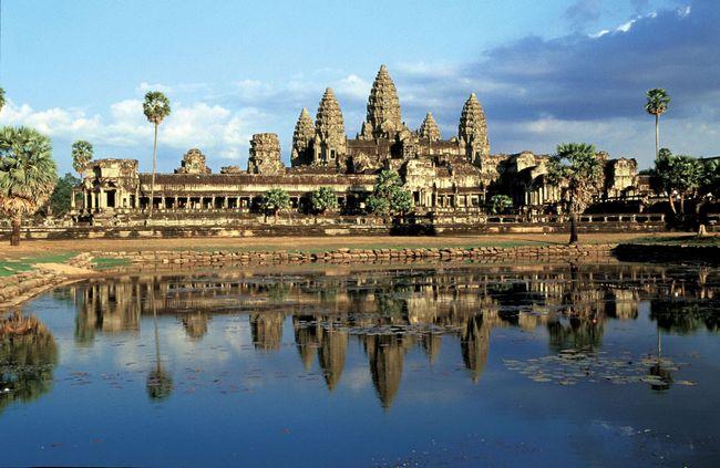 东南亚旅游景点举例——柬埔寨的吴哥窟