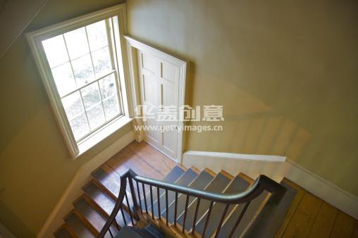 窗户,门,楼梯